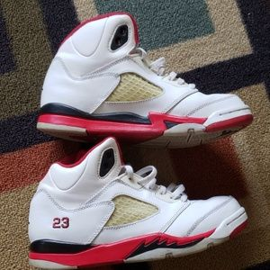 Air jordan V 5 Retro Sneakers Boys size 3Y